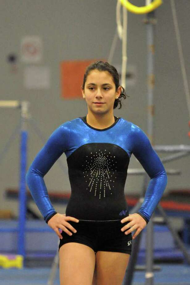 Fairfield Ludlowe gymnastics captain Dani Pasquarelli during practice at the Trumbull YMCA Photo: Amy Mortensen / Connecticut Post Freelance