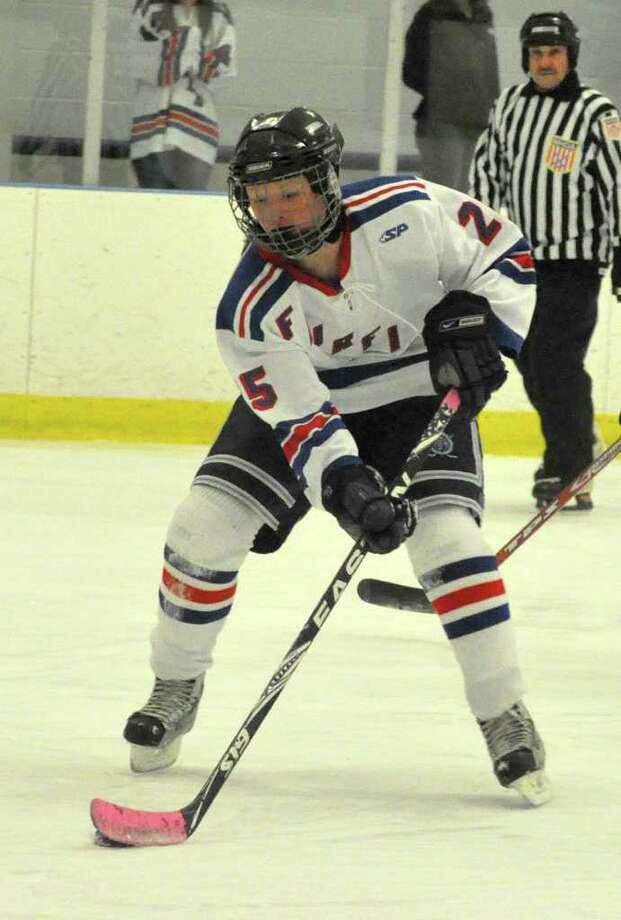 Fairfield girls ice hockey coop's Lindsay Babbington Photo: Amy Mortensen / Connecticut Post Freelance