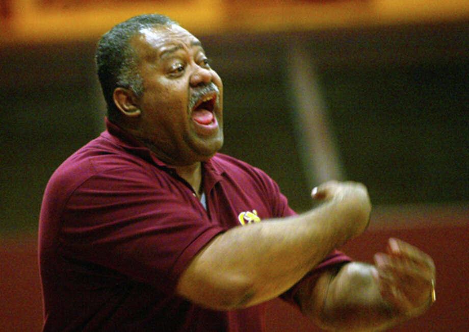 O'Dea basketball coach Phil Lumpkin during a January 2006 game against Bainbridge High School. Photo: / P-I File / Grant M. Haller