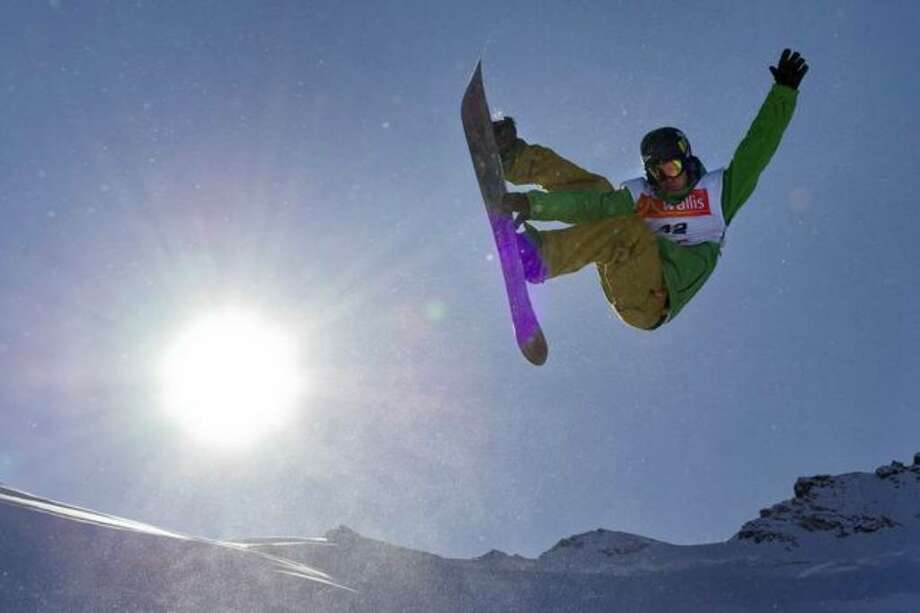 Kevin Pearce competes at the men's half-pipe snowboarding FIS World Cup final event on Nov. 5, 2009 in Saas-Fee, Switzerland. Pearce suffered a severe brain injury in practice on Dec. 31. (Photo by Fabrice Coffrini/AFP/Getty Images) Photo: / Getty Images
