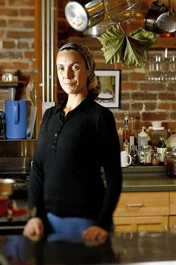 Raw food chef Chaya Ryvka Diehl won't eat meat but will pass a plate of it around the holiday table. Photo: / San Francisco Chronicle