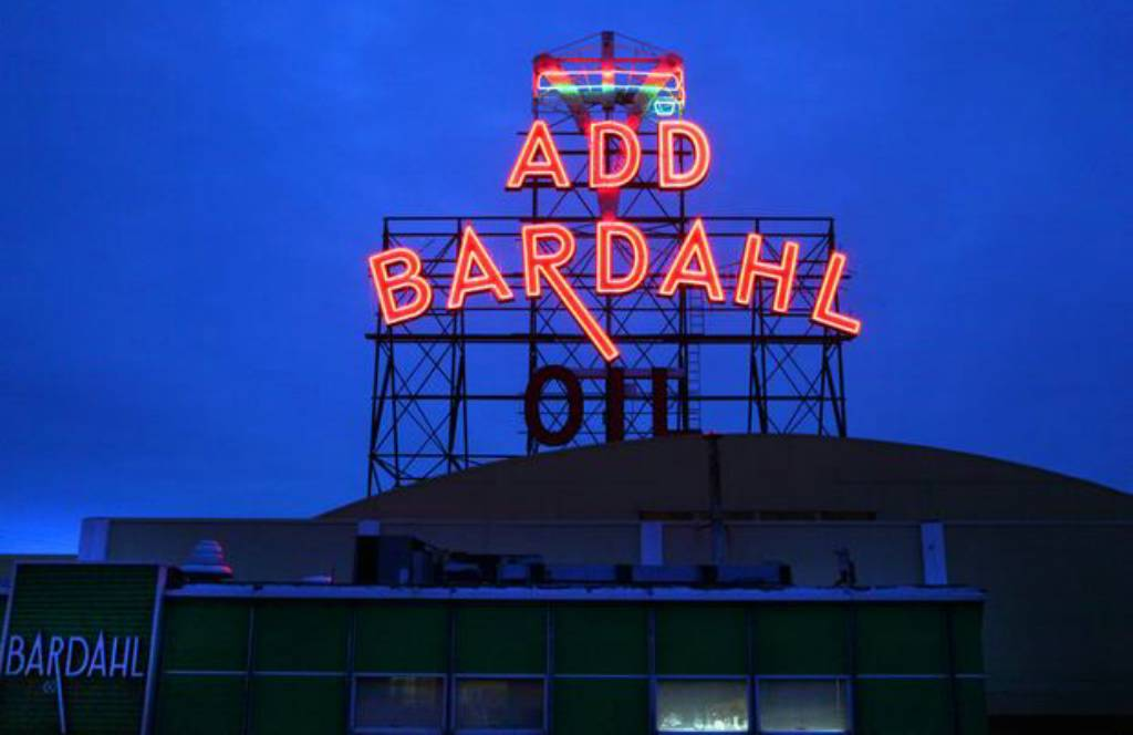 Seattle S Neon Signs Pierce The Winter Darkness