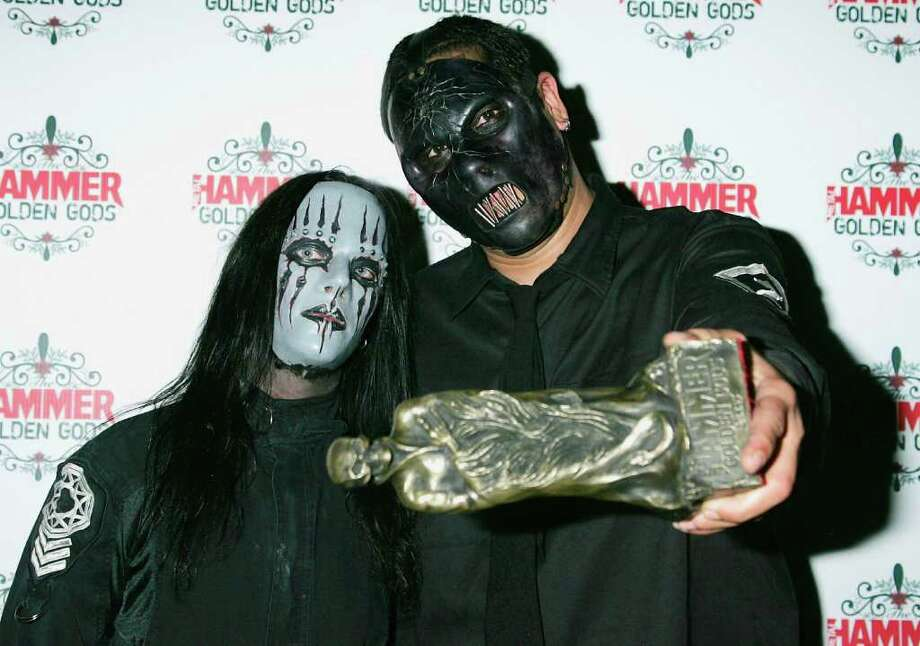 Musician Paul Gray, right, died May 24 at 38. Photo: Jo Hale, Getty Images / Getty Images