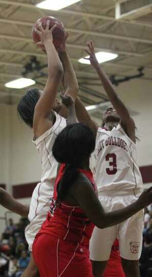 Jasper falls to Kirbyville in opener.
