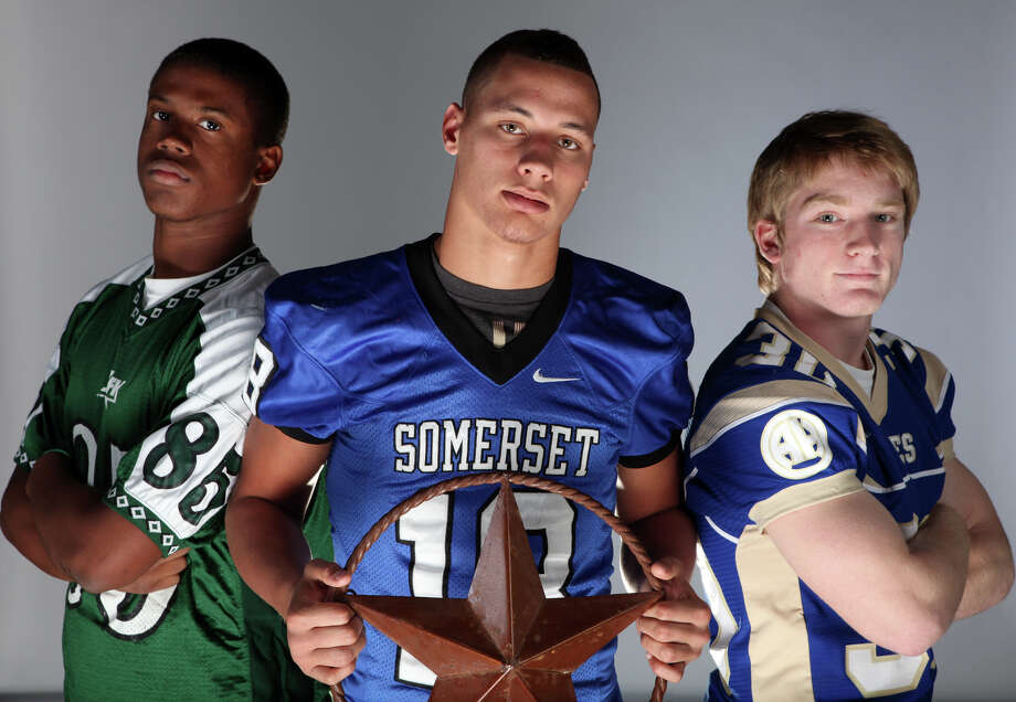 Receivers (from left): Chance Bouldin of Kennedy, Jacob Hillyer of Somerset and Zach Richter of Alamo Heights. Photo: EDWARD A. ORNELAS/eaornelas@express-news.net