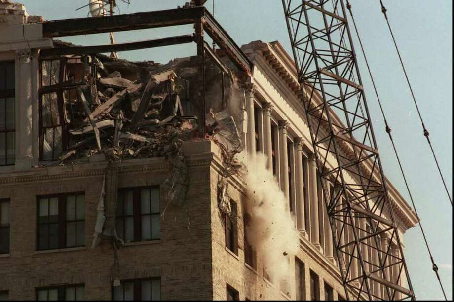 Oct. 19, 1995: The Stamford Municipal Office Building is demolishe dto make room for UBS.  Tom Ryan/Staff Photo Photo: ST