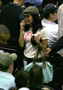 SPORTS    -----     Eva Longoria makes her way to her seat Sunday night April 24, 2005 at the SBC Center before the start of the opening game of the Spurs' first round playoff series against the Nuggets. Photo: WILLIAM LUTHER, SAN ANTONIO EXPRESS-NEWS / SAN ANTONIO EXPRESS-NEWS