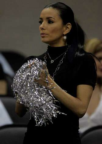 SPORTS     ---    Eva Longoria was seen Wednesday night April 25, 2007 at the AT&T Center during the Spurs' game against the Nuggets' during the second game of their first round playoff series. Photo: WILLIAM LUTHER, SAN ANTONIO EXPRESS-NEWS / SAN ANTONIO EXPRESS-NEWS