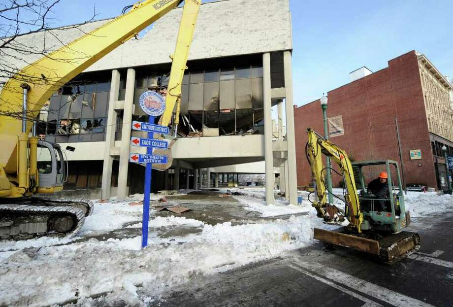 Demolition on the the former Troy City Hall Dec. 31, 2010.  (Skip Dickstein / Times Union) Photo: SKIP DICKSTEIN / 2008