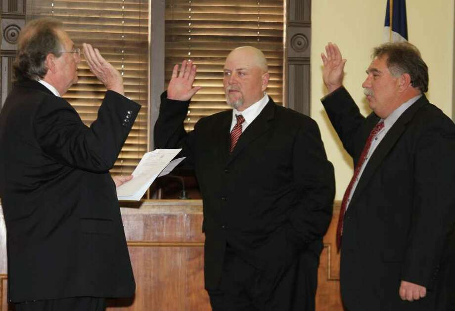 Jasper County swears in officials for 2011 Photo: Charles Kerr