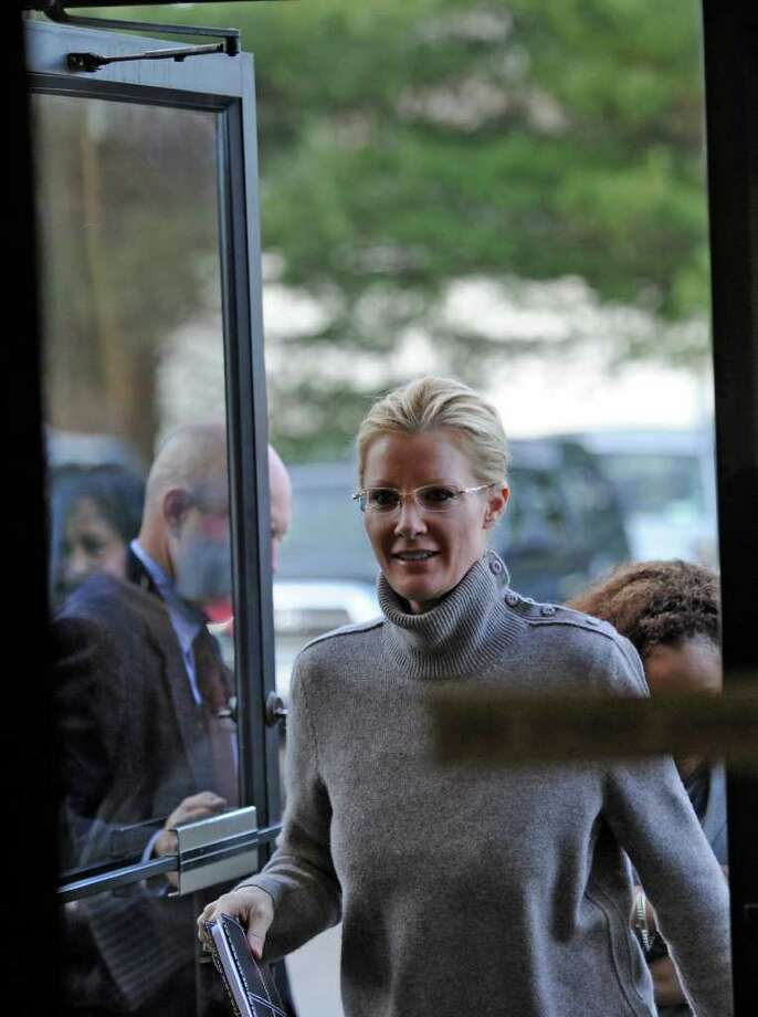 Food Network star Sandra Lee makes a visit to the Regional Food Bank of Northeastern New York in Colonie on January 3, 2011.  Lee was in town for the inauguration of her boyfriend, Gov. Andrew Cuomo. (Skip Dickstein / Times Union) Photo: SKIP DICKSTEIN / 2008