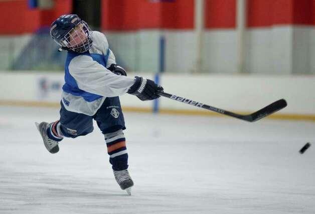Pee wee elite hockey camps