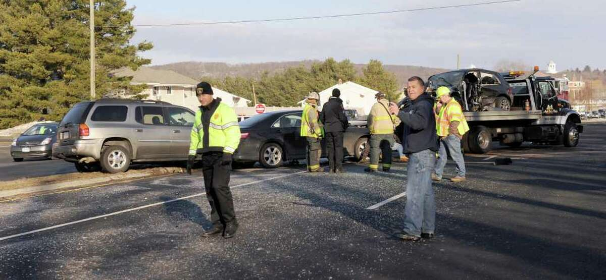A four vehicle accident at 7:30 a.m. on Wednesday on Route 7 in New Milford shut down traffic in both directions.