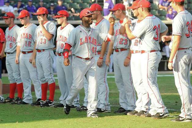 The Lamar University baseball team is introduced before the start of their NCAA tournament matchup against TCU at Lupton Stadium in Fort Worth on Friday, June 4, 2010.  Valentino Mauricio/The Enterprise Photo: Valentino Mauricio / Beaumont