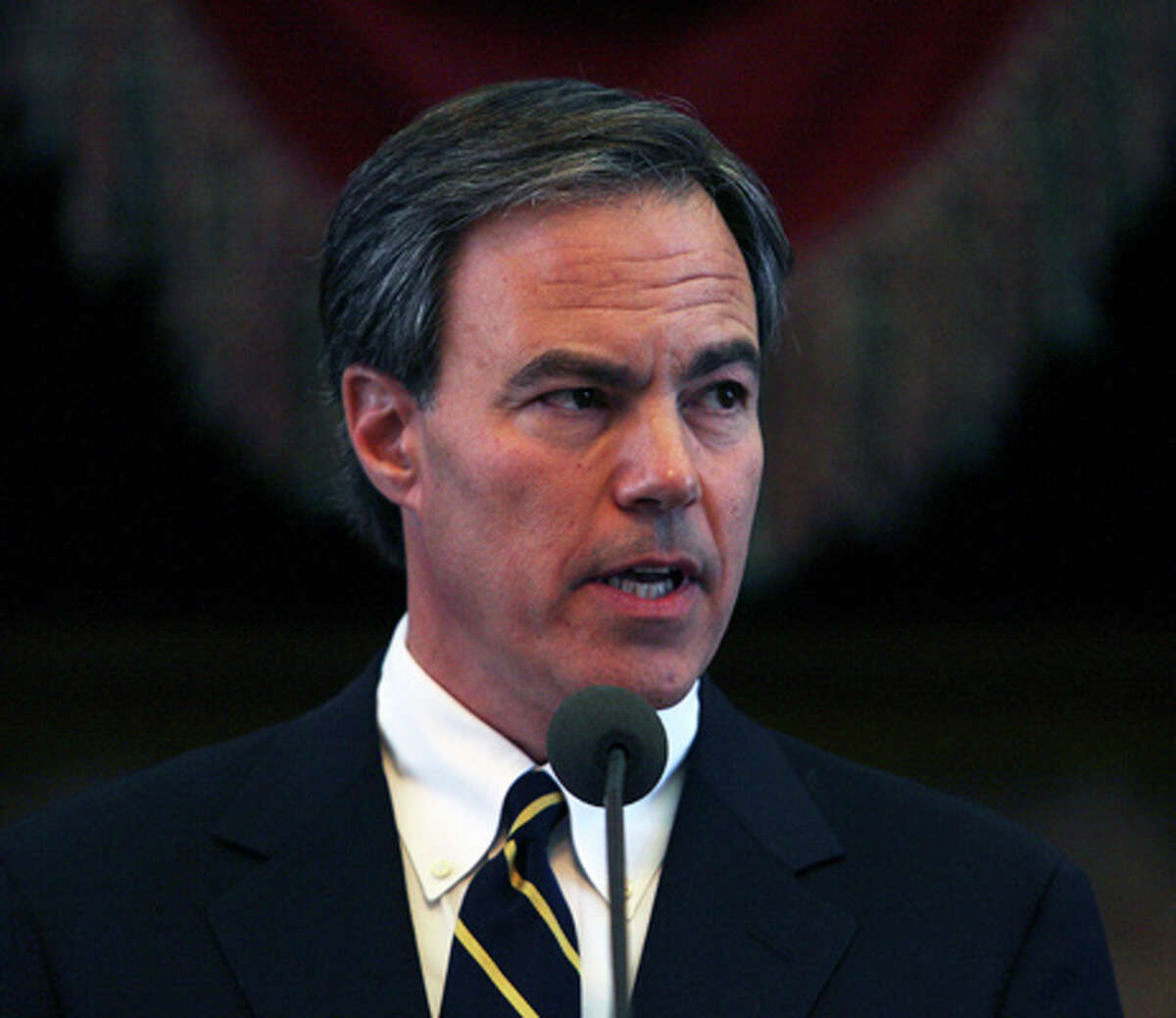 Joe Straus speaks after being sworn in as Speaker of the House during the convening of the 81st Texas Legislature in Austin in 2009.
