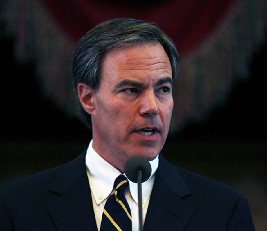 Joe Straus speaks after being sworn in as Speaker of the House during the convening of the 81st Texas Legislature in Austin in 2009. Photo: Tom Reel, Express-News