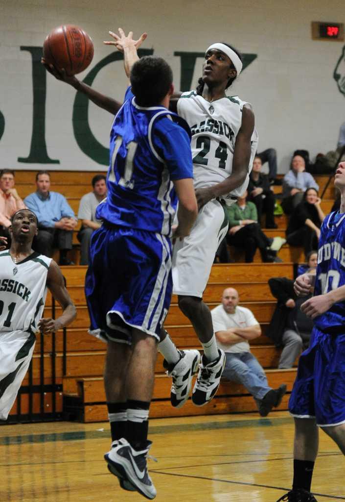 Monday's high school boys basketball roundup - Connecticut ...