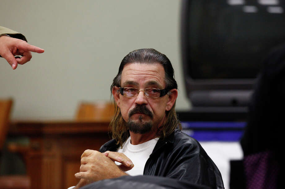 Michael Yuchnitz sits in court after testifying at the hearing regarding control of his eyewear businesses on Thursday. Photo: LISA KRANTZ, SAN ANTONIO EXPRESS-NEWS / SAN ANTONIO EXPRESS-NEWS