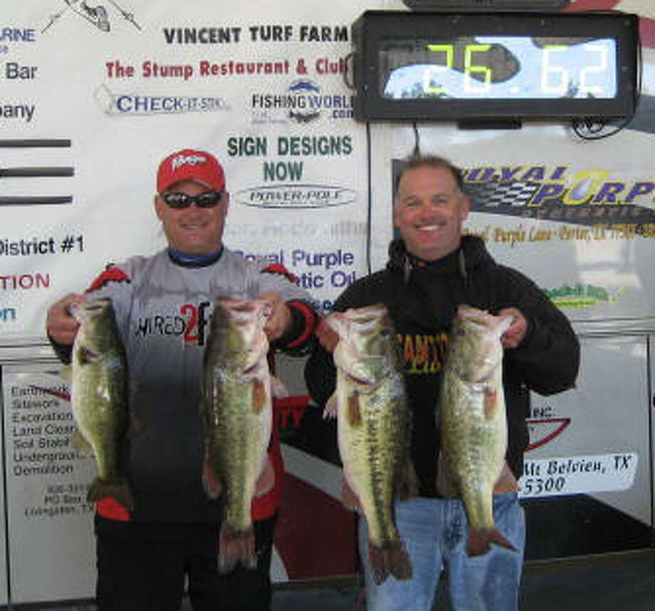 Congratulations to Chris McCall and Tommy Dickerson for winning the 2011 Anglers Quest inaugural event on Sam Rayburn with 26.62 lbs
