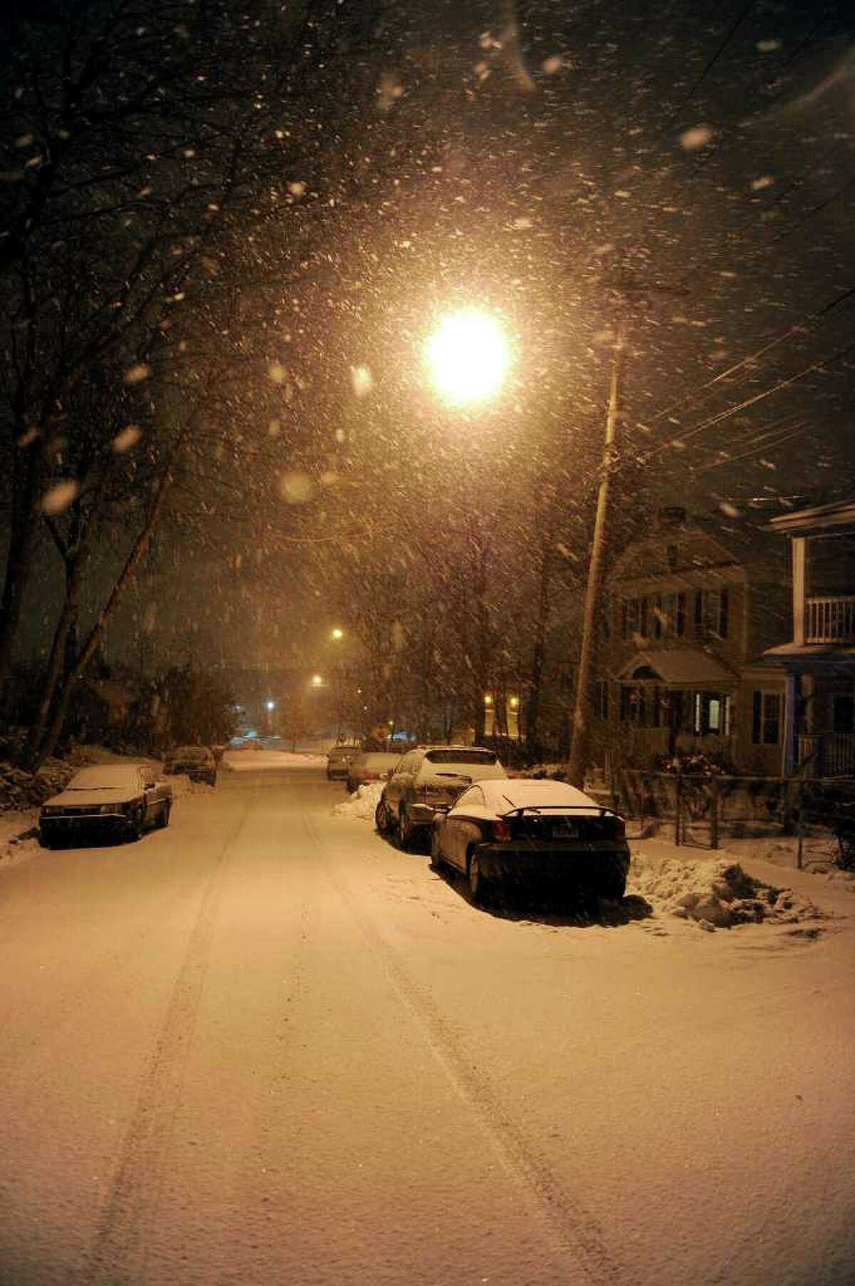 Snow falls as the third big snowstorm of the year begins to hit southern Connecticut on Tuesday, January 11, 2011.
