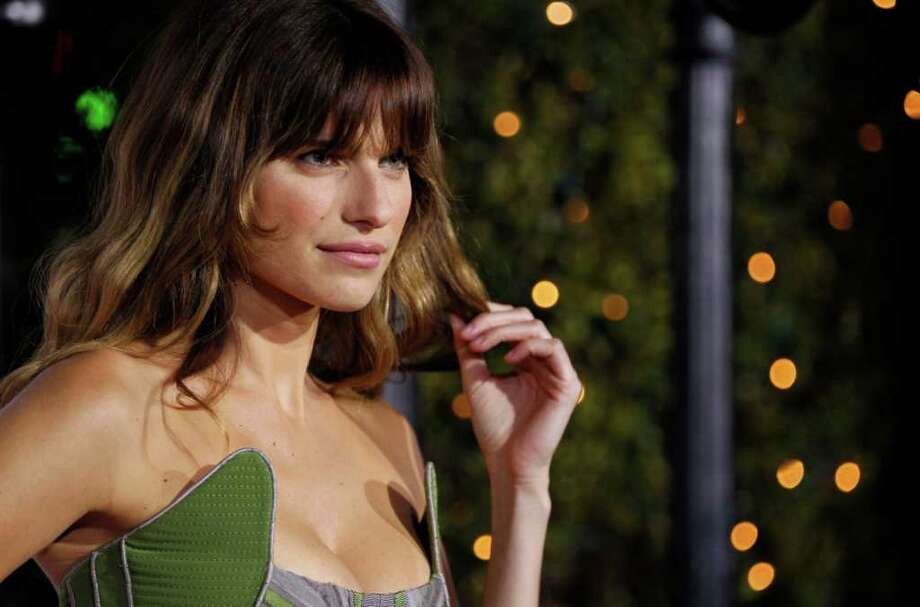 "Cast member Lake Bell arrives at the premiere ""No Strings Attached"" in Los Angeles, on Tuesday, Jan. 11, 2011. Photo: AP"