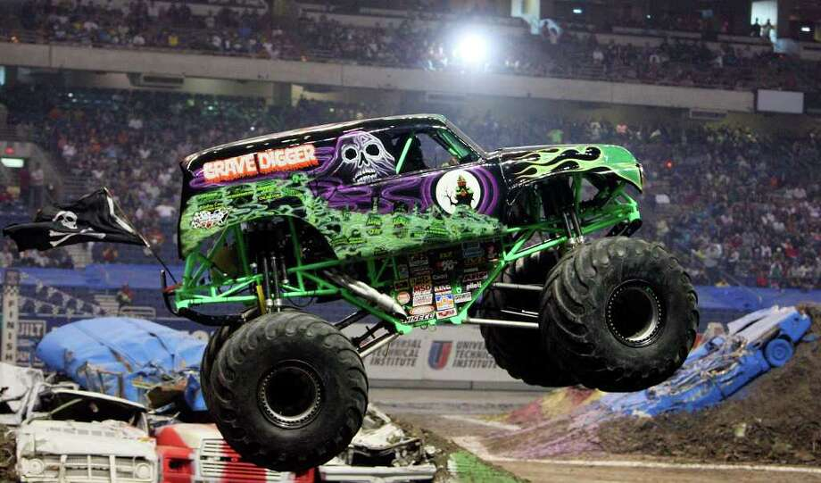 Grave Digger with legenary driver Pablo Huffaker at the wheel will return to San Antonio. COURTESY PHOTO Photo: EDWARD A. ORNELAS, SAN ANTONIO EXPRESS-NEWS / eaornelas@express-news.net
