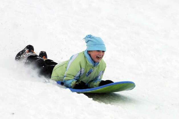 Megan Kutey, 10, of Loudonville sleigh rides on Wednesday, Jan. 12, 2011, at Capital Hills Golf Course in Albany, N.Y. (Cindy Schultz / Times Union) Photo: Cindy Schultz