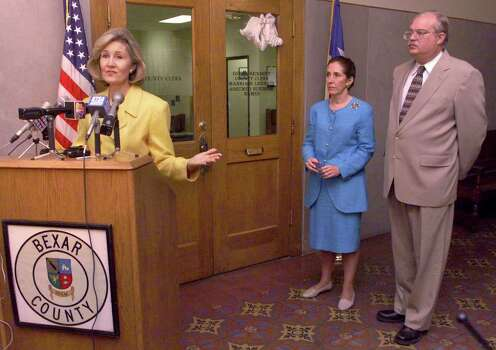 METRO DAILY - Sen. Kay Bailey Hutchison (R-Tex.) talks to the media discussing the final version of the tax-cut bill approved last week by Congress at the Bexar County Courthouse on Thursday, August 12, 1999. Bexar Coutny Judge Cyndi Krier (center) and County Clerk Gerri Rickhoff were also present at the press conference. Kin Man Hui/staff. Photo: Kin Man Hui