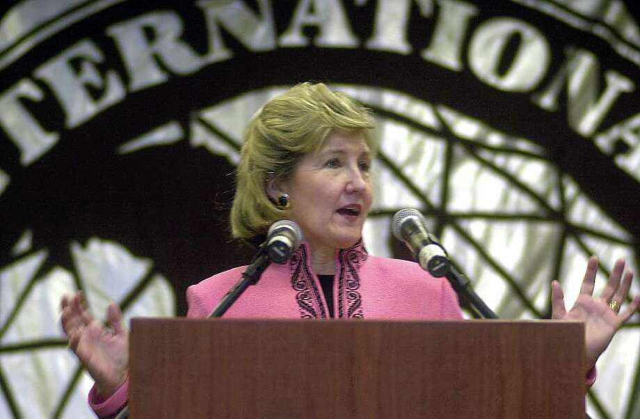 SPECIAL TRANSMISSION TO THE SAN ANTONIO EXPRESS-NEWS--U.S. Senator Kay Bailey Hutchison speaks to those in attendance at the  dedication ceremonies of Texas A&M International University's Center for the Study of Western Hemispheric Trade in Laredo, Texas, Tuesday, March 26, 2002. Hutchison served as keynote speaker for the event. Photo by Guillermo Sosa. Photo: Photo By Guillermo Sosa.
