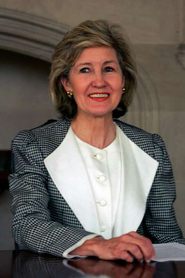U.S. Sen. Kay Bailey Hutchison before the San Antonio Express-News Editorial Board on Monday, Oct. 9, 2006. ( JERRY LARA STAFF ) Photo: JERRY LARA, SAN ANTONIO EXPRESS-NEWS / SAN ANTONIO EXPRESS-NEWS