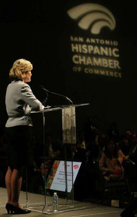 Sen. Kay Bailey Hutchison speaks to the San Antonio Hispanic Chamber of Commerce Thursday at the Henry B. Gonzalez Convention Center. JOHN DAVENPORT/jdavenport@express-news.net Photo: JOHN DAVENPORT, SAN ANTONIO EXPRESS-NEWS / jdavenport@express-news.net