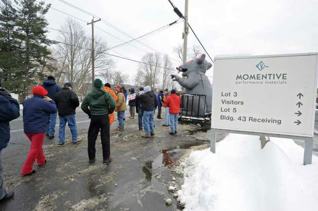 Workers at Momentive Performance Materials Inc. strike to protest the company?s punishment and discipline of employees in front of the Plant in Waterford, NY on January 13, 2011. (Lori Van Buren / Times Union) Photo: Lori Van Buren