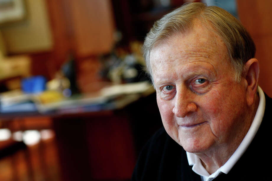 "Red McCombs recalls his career, which began selling peanuts, in ""Big Red."" LISA KRANTZ / EXPRESS-NEWS / SAN ANTONIO EXPRESS-NEWS"