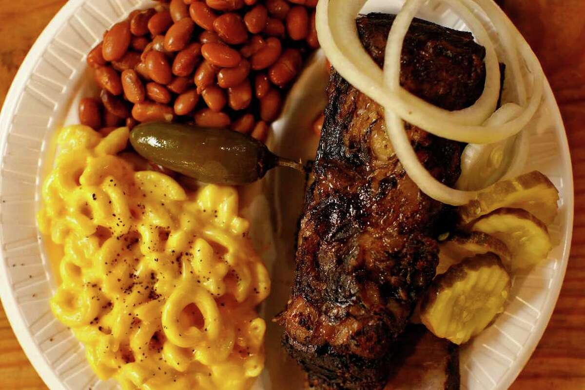 Beef ribs served with macaroni and cheese and pinto beans at Bolner's Meat Market.