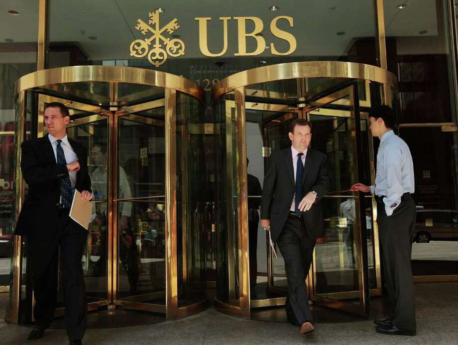 UBS staffers may get their red undies back - StamfordAdvocate