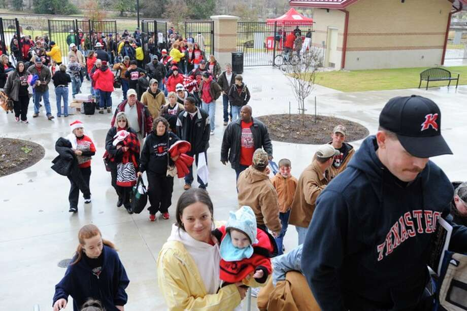 Kirbyville fans enter Bobcat Stadium for the Wildcats Class 2A Division I title game against Pilot Point at Texas State University in San Marcos. Saturday, December 12, 2009. Photo: VALENTINO MAURICIO