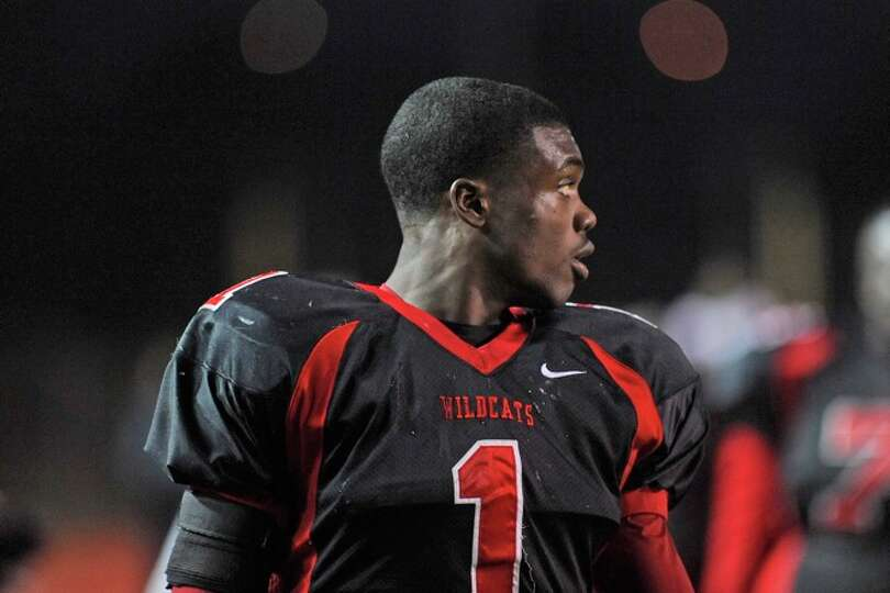 Kirbyville running back LeFredrick Ford looks at the scoreboard during the final minutes of second h