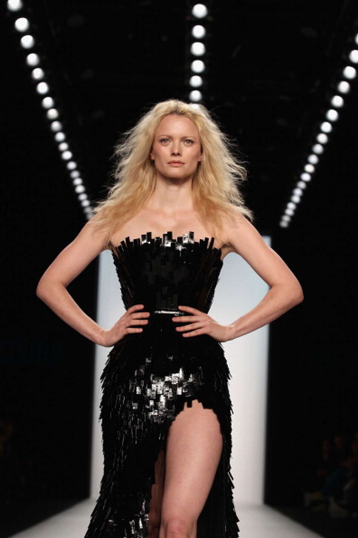 BERLIN, GERMANY - JANUARY 19: Model Franziska Knuppe walks the runway at the Le Ver Couture Show during the Mercedes Benz Fashion Week Autumn/Winter 2011 at Bebelplatz on January 19, 2011 in Berlin, Germany. (Photo by Andreas Rentz/Getty Images)