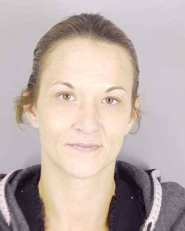 """Bonnie Bates, 33, is wanted on a warrant for aggravated assault with a deadly weapon. She is listed as 5'4"""" and weighing 125 pounds, according to the ... - 628x471"""