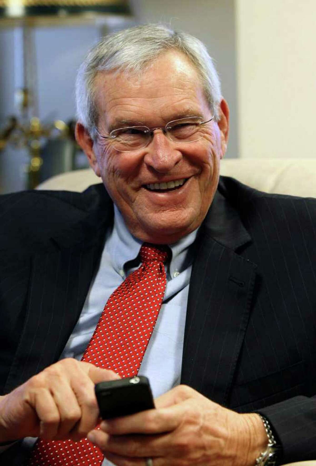 Retired AT&T executive Edward E. Whitacre Jr. was selected to lead General Motors in 2009.