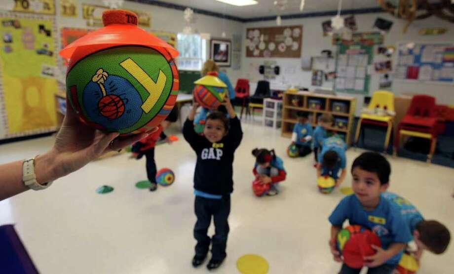 2009 Inductee: The Ball Photo: JOHN DAVENPORT, Jdavenport@express-news.net / San Antonio Express-News