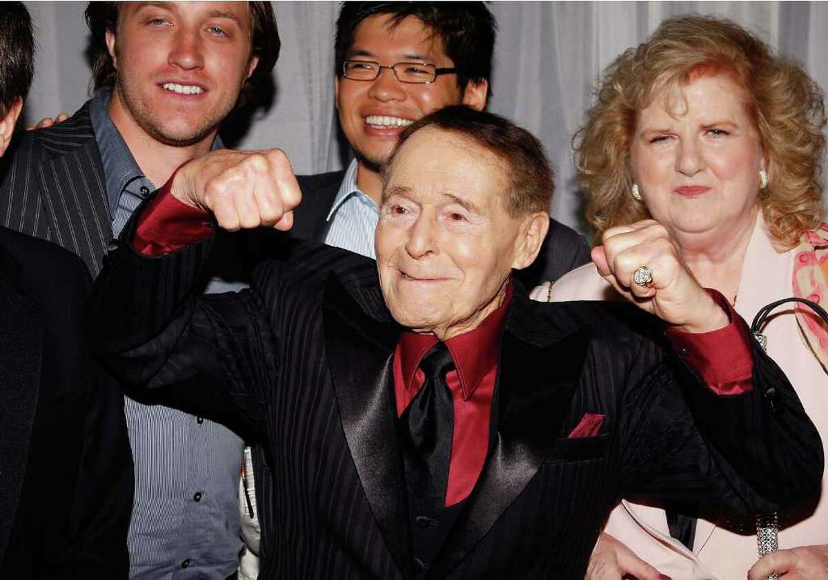 LOS ANGELES, CA - JUNE 12: Fitness guru Jack LaLanne attend the 35th Annual Vision Awards presented by Retinitis Pigmentosa International on June 12, 2008 in Beverly Hills, California.