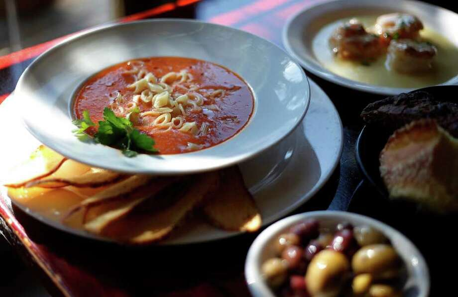 The recipe for pasta e fagioli soup from Paesano's in Lincoln Heights makes enough to have leftovers the next day.Kin Man Hui/kmhui@express-news.net Photo: KIN MAN HUI, SAN ANTONIO EXPRESS-NEWS / kmhui@express-news.net