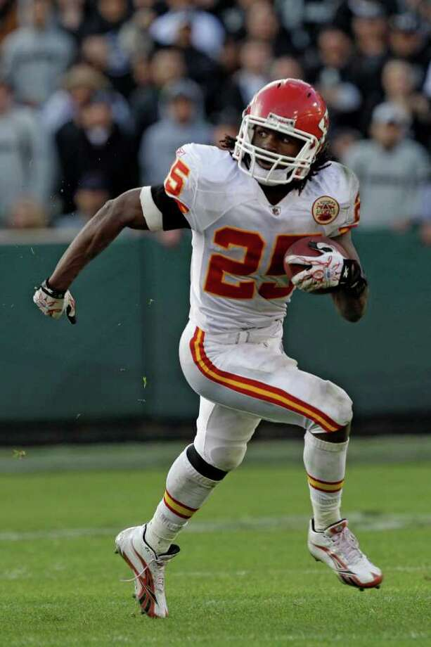 FILE-This Nov. 7, 2010 file photo shows Kansas City Chiefs running back Jamaal Charles (25) in action during the second half of an NFL football game in Oakland, Calif. Charles  was named to the AP All-Pro Team. (AP Photo/Marcio Jose Sanchez,File) Photo: Marcio Jose Sanchez, STF / AP