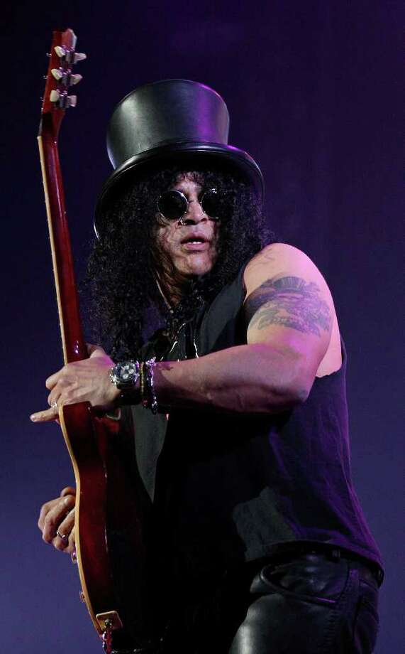 Slash performs Monday, Jan. 24, 2011, at the AT&T Center. Photo: EDWARD A. ORNELAS, SAN ANTONIO EXPRESS-NEWS / eaornelas@express-news.net