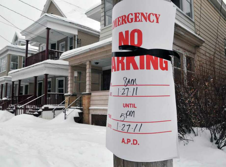 "Snow emergency ""no parking' sign on Morris Street in Albany Tuesday  January 25, 2011.   (John Carl D'Annibale / Times Union) Photo: John Carl D'Annibale"