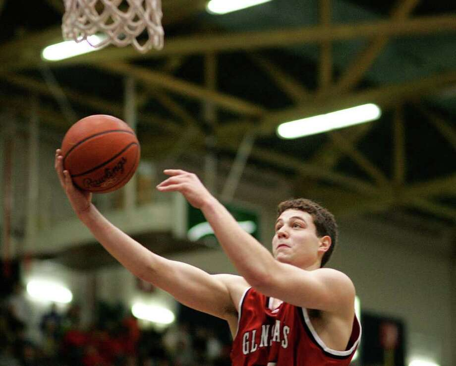 Glens Falls' Jimmer Fredette goes up for two points against McKinley on March 17, 2007. Photo: Jeff Foley / ALBANY TIMES UNION