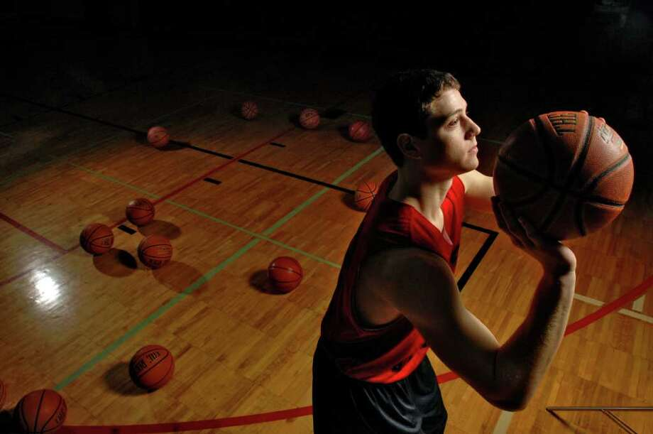 Glens Falls senior Jimmer Fredette practices shooting free throws on Jan. 4, 2007. Photo: PHILIP KAMRASS / ALBANY TIMES UNION