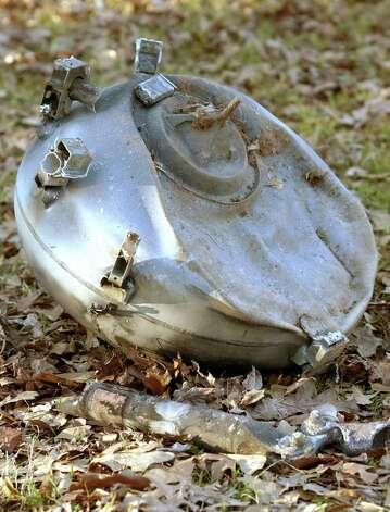 Space Shuttle Columbia Debris - Pics about space
