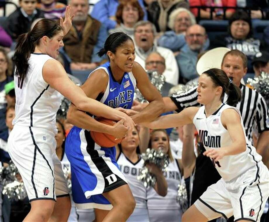 Moore, UConn women crush No. 3 Duke - NewsTimes